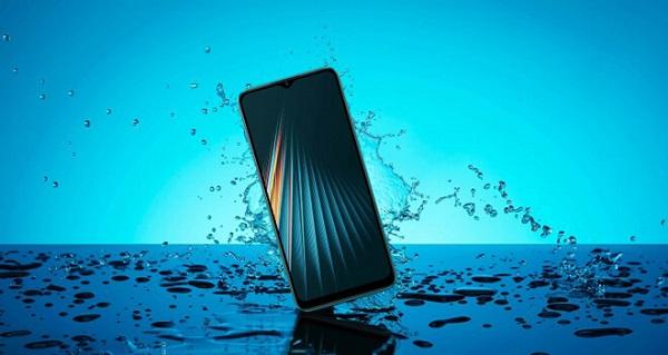 Điện thoại bị ngâm nước cũng là một trong những nguyên nhân gây ra tình trạng không nhận SIM