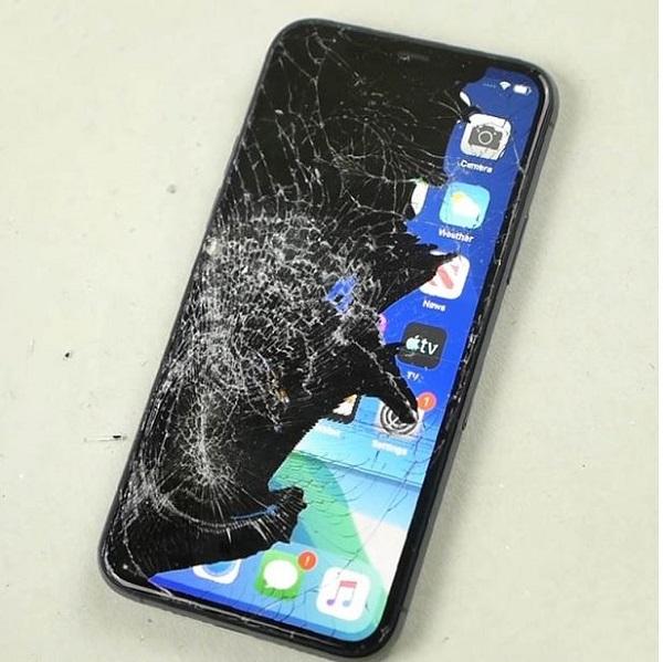 iPhone 11 Pro Max bị hư hỏng phần cứng